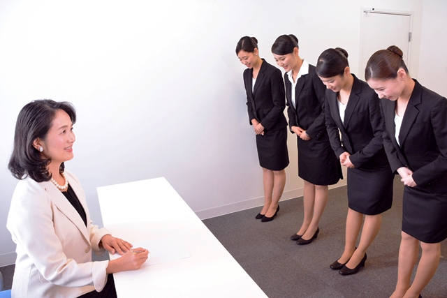 なぜCA(客室乗務員)が就職で人気か?