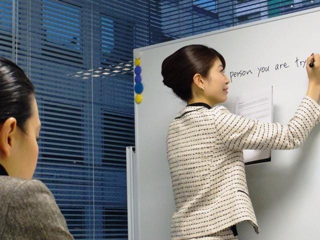おすすめのTOEIC勉強法|講師インタビュー 川本梨衣先生||TOEIC290点から950点までスコアアップ