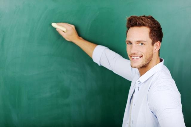 人事と学生の悩みを解決するカギは、内定者英語教育にあった
