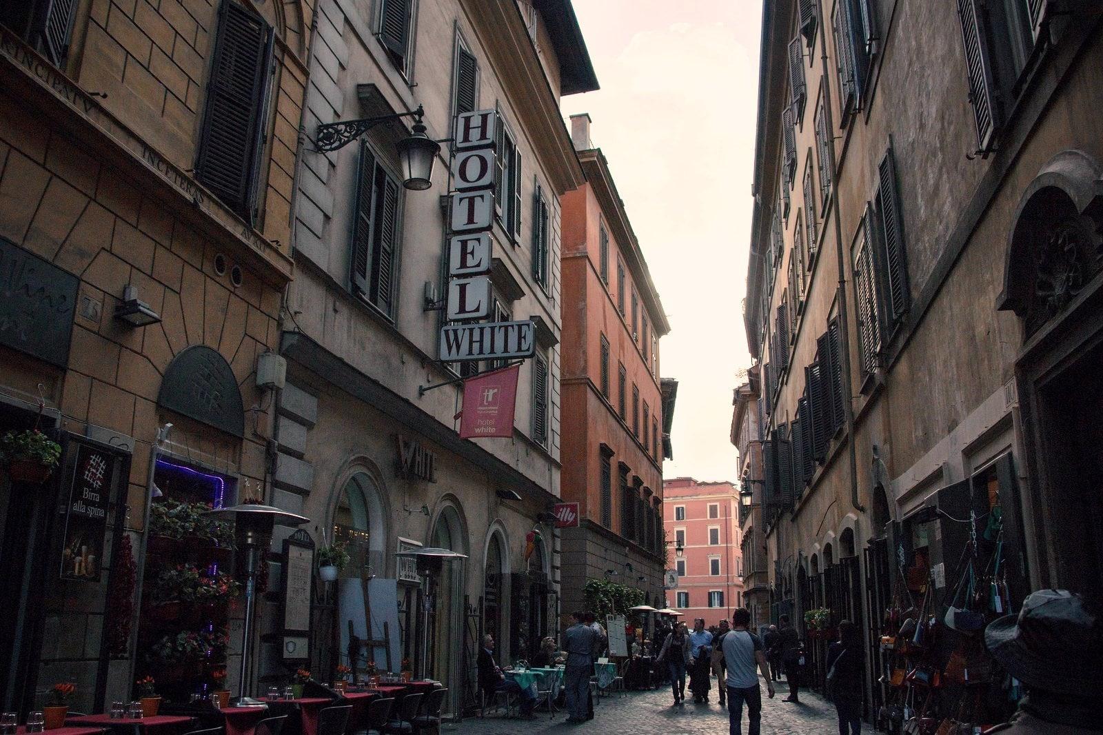 すぐ使えるイタリア語挨拶9選!イタリア旅行のお供に!