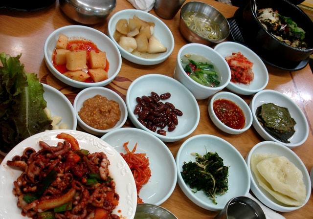 韓国のレストランで使える韓国語会話フレーズまとめ。これで食堂など外食で困らない!