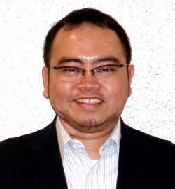アイザック外国語スクール講師 Gilang Yudhistria Suryadimulya