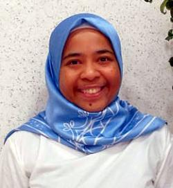 アイザック外国語スクール講師 Diess Alwi Tutiarta